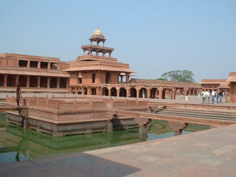 Памятник Индии