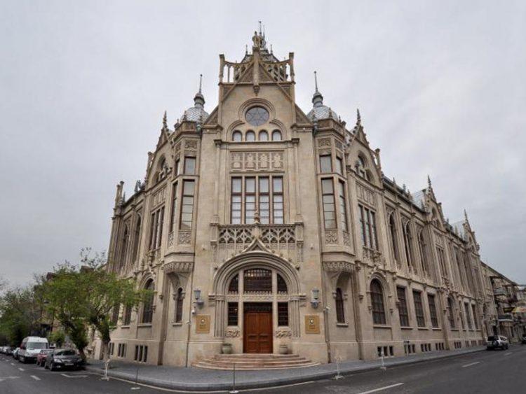 Дворец Мухтарова в Баку