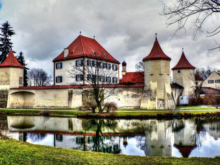 Мюнхен Замок Блютенбург