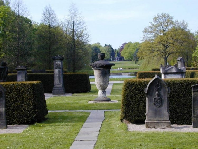 Гамбург Парк-кладбище Ольсдорферфридхоф