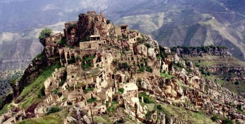 9 удивительных достопримечательностей Дагестана